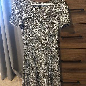 Suzy Shier black & white dress